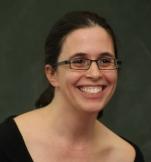 קרן לנדסמן, המנהלת המקצועית של העמותה - מספרת מה הביא אותה להקים את העמותה, ביום האישה