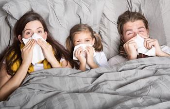 משפחה חולה בצננת