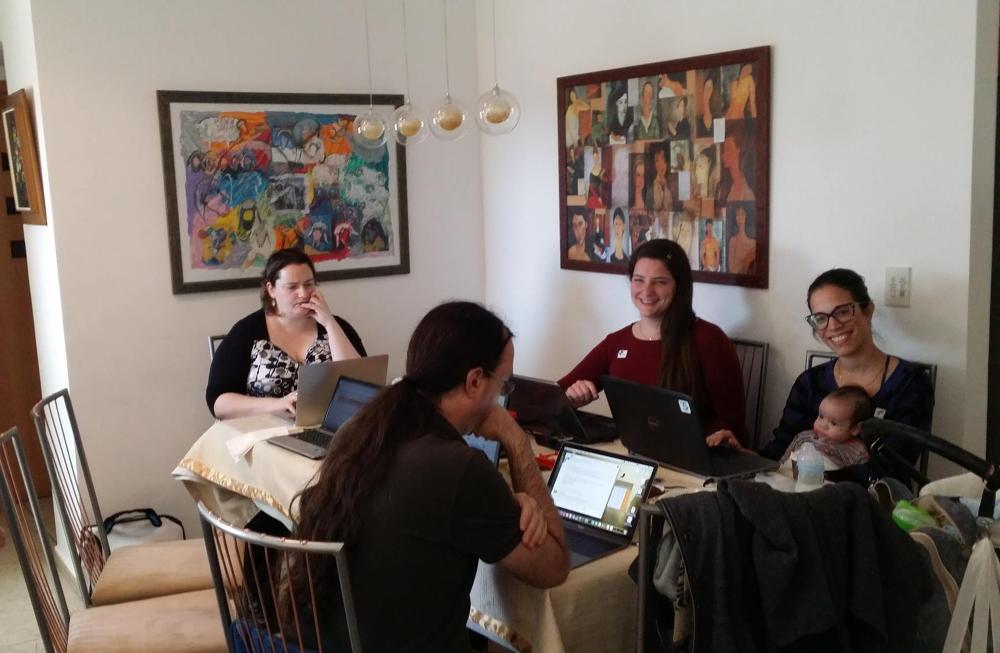 מפגש כתיבה של עמותת מדעת